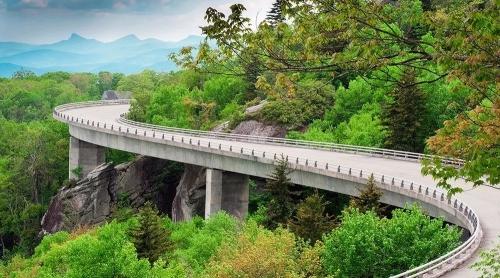 """中共中央:2020年投入3000亿支持""""康养+旅游+地产""""模式"""